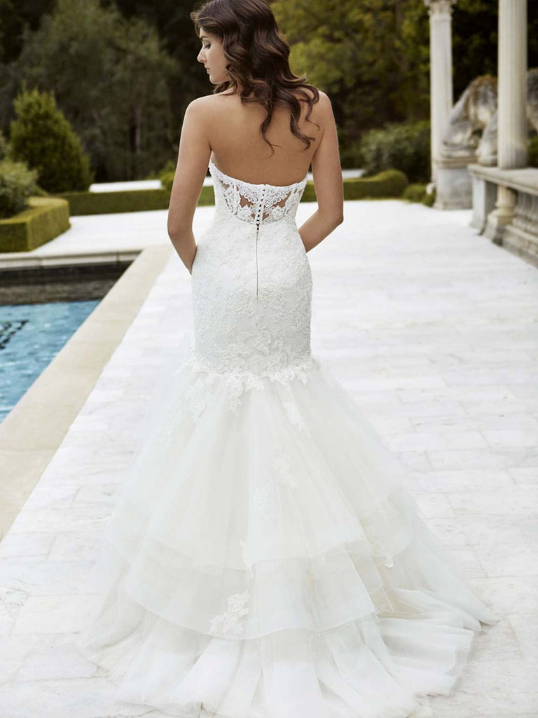 Enzoani 'Irvine' size 4 used wedding dress back view on bride