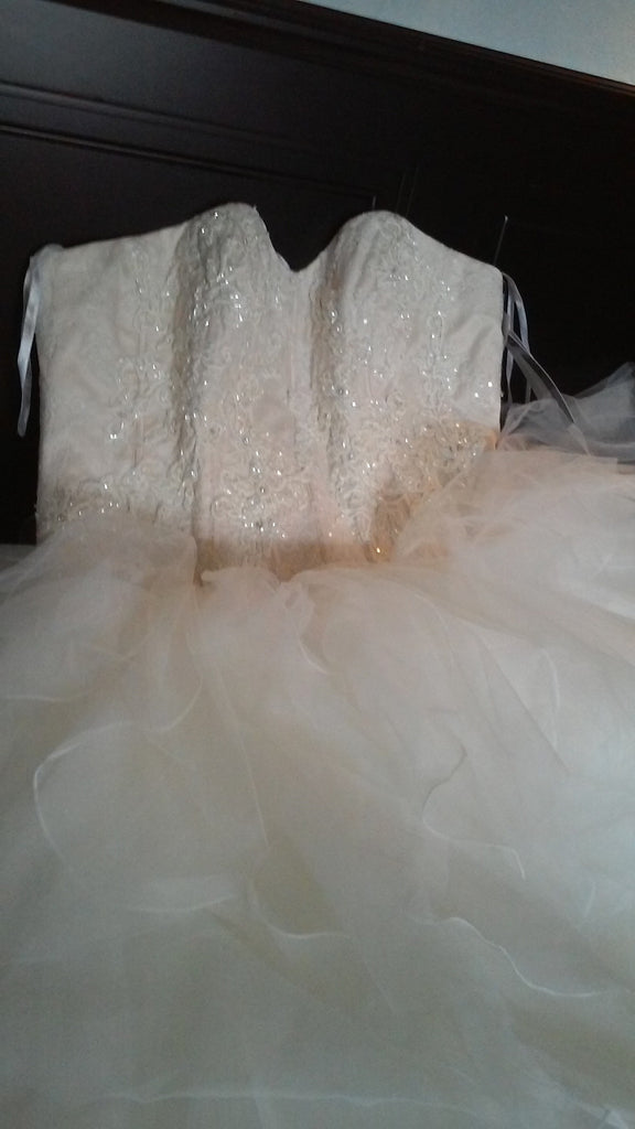 Oleg Cassini 'Strapless' size 18 new wedding dress front view of dress