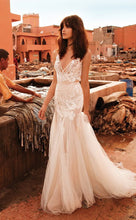 Load image into Gallery viewer, Liz Martinez 'Lucia' size 4 used wedding dress front view on model