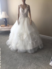 Pnina Tornai 'Love' size 12 new wedding dress front view on bride