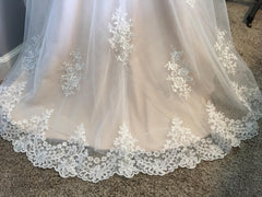 Da Vinci '31E50353' size 6 new wedding dress view of train