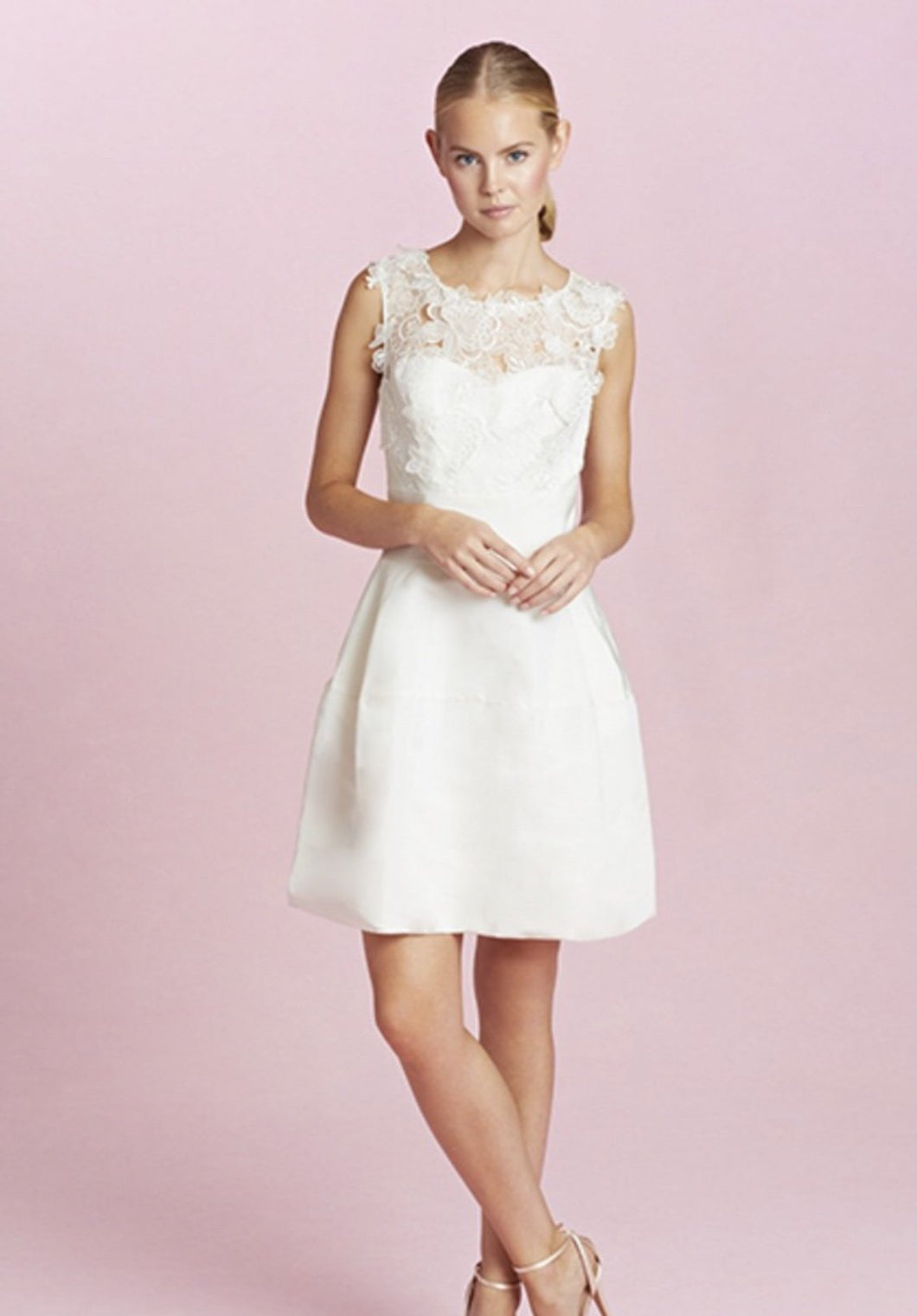 Oscar De La Renta 'Catherine Embroidered Silk Faille' size 4 used wedding dress front view on model