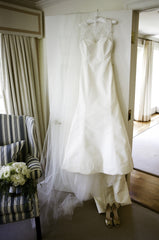 Carolina Herrera 'Juliet' size 2 used wedding dress front view on hanger