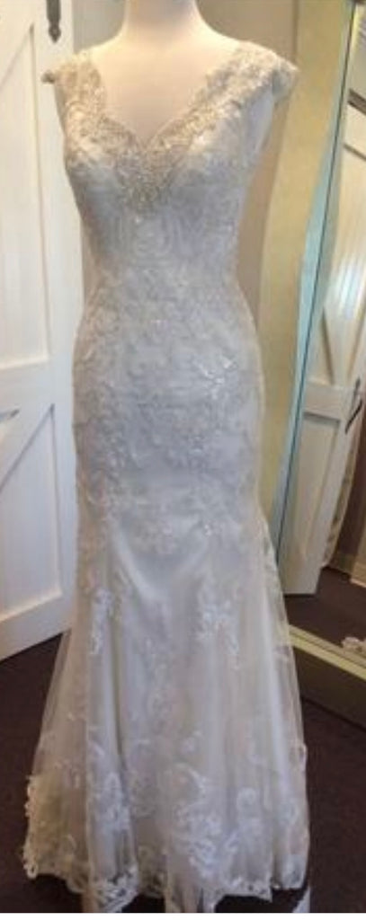 Maggie Sottero 'Elison' size 8 new wedding dress front view on mannequin