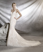 Load image into Gallery viewer, Pronovias 'Orlara' size 2 used wedding dress front view on model