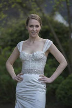 Load image into Gallery viewer, Monique Lhuillier 'Fitted Corset Dress' - Monique Lhuillier - Nearly Newlywed Bridal Boutique - 1