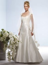 Load image into Gallery viewer, Birnbaum and Bullock 'Gretchen' size 6 used wedding dress front view on model