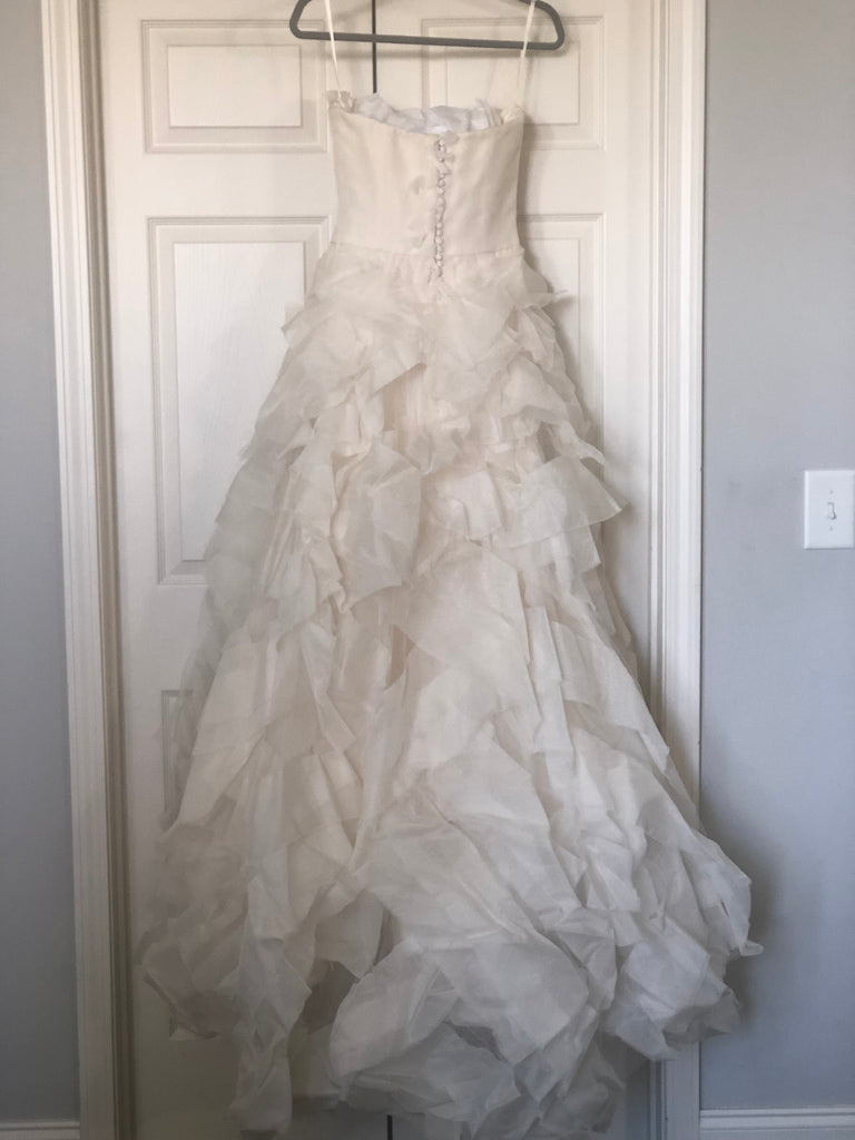 Vera Wang 'Diedre' size 2 used wedding dress back view on hanger