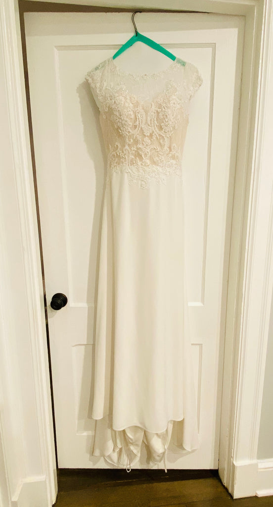 St. Patrick 'Roosevelt' size 6 used wedding dress front view on hanger