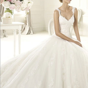 Pronovias 'Uri' size 6 new wedding dress front view on model