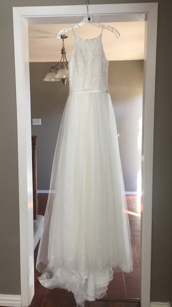 Allure 'Romance-3114' size 2 new wedding dress front view on hanger