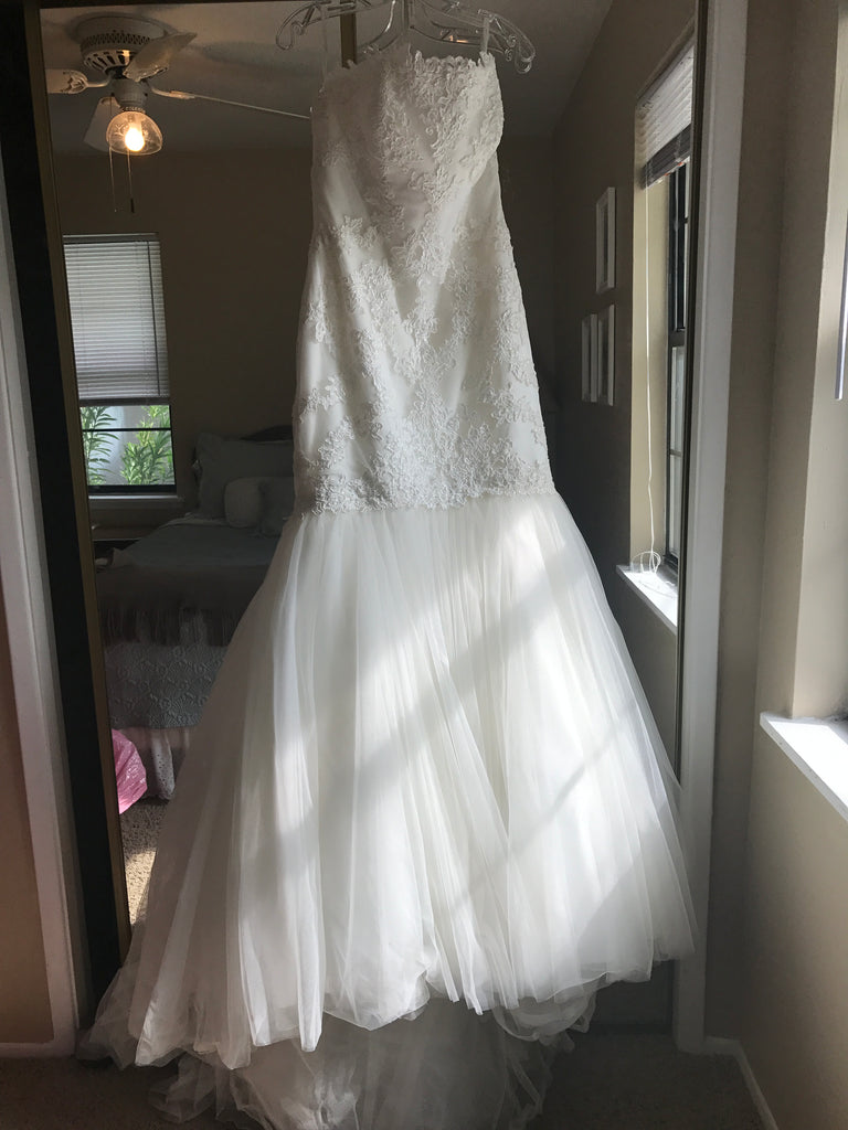 Pronovias 'Ona' size 12 sample wedding dress front view on hanger