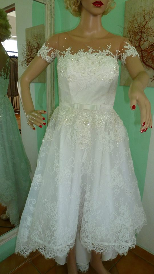 Ella 'Sissi' size 8 used wedding dress front view on mannequin