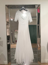 Load image into Gallery viewer, Sarah Seven 'Bleeker' size 2 new wedding dress front view on hanger