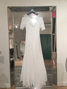 Sarah Seven 'Bleeker' size 2 new wedding dress front view on hanger