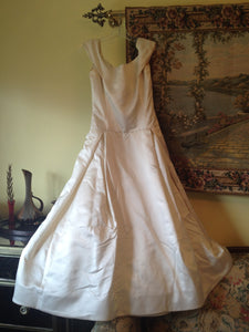 Vera Wang 'Off the Shoulder Wedding Dress' - Vera Wang - Nearly Newlywed Bridal Boutique - 4