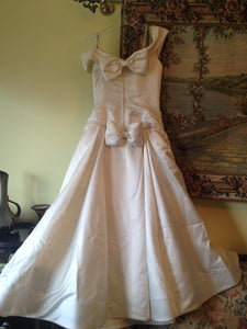 Vera Wang 'Off the Shoulder Wedding Dress' - Vera Wang - Nearly Newlywed Bridal Boutique - 1