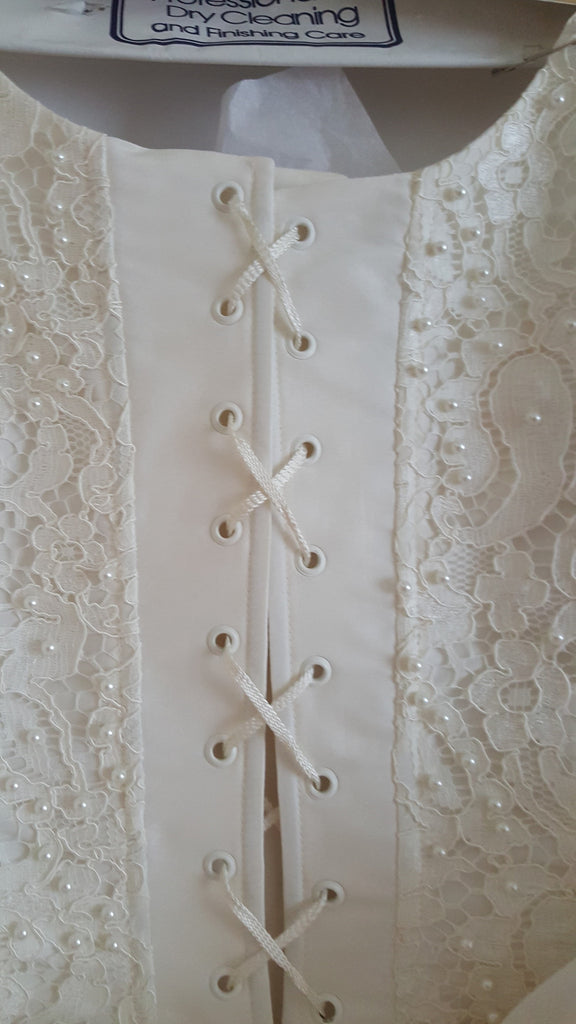 Custom 'Timeless Elegance' - Hand Made in Paris - Nearly Newlywed Bridal Boutique - 4
