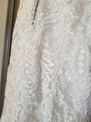 Aire Barcelona 'Caiman' size 4 used wedding dress close up of fabric