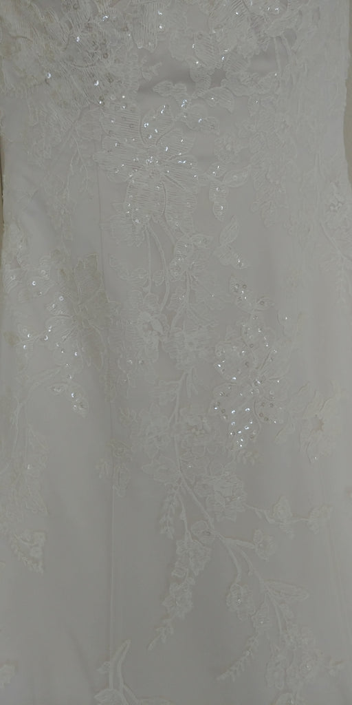 Oleg Cassini '517' size 2 used wedding dress view of material