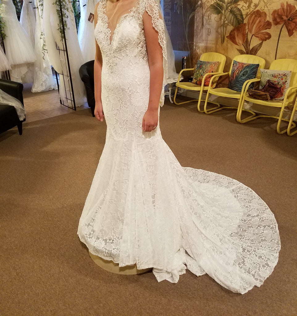 Allure Bridals '9460' size 8 new wedding dress front view on bride