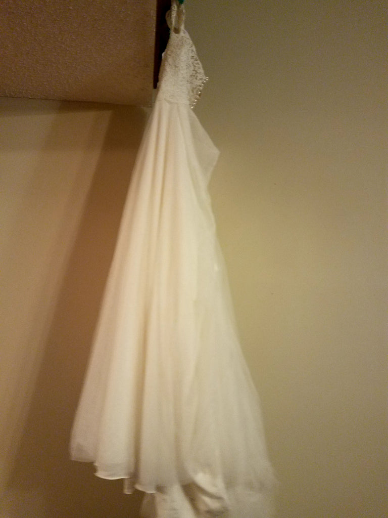 Essence of Australia '2466' size 14 used wedding dress side view on hanger