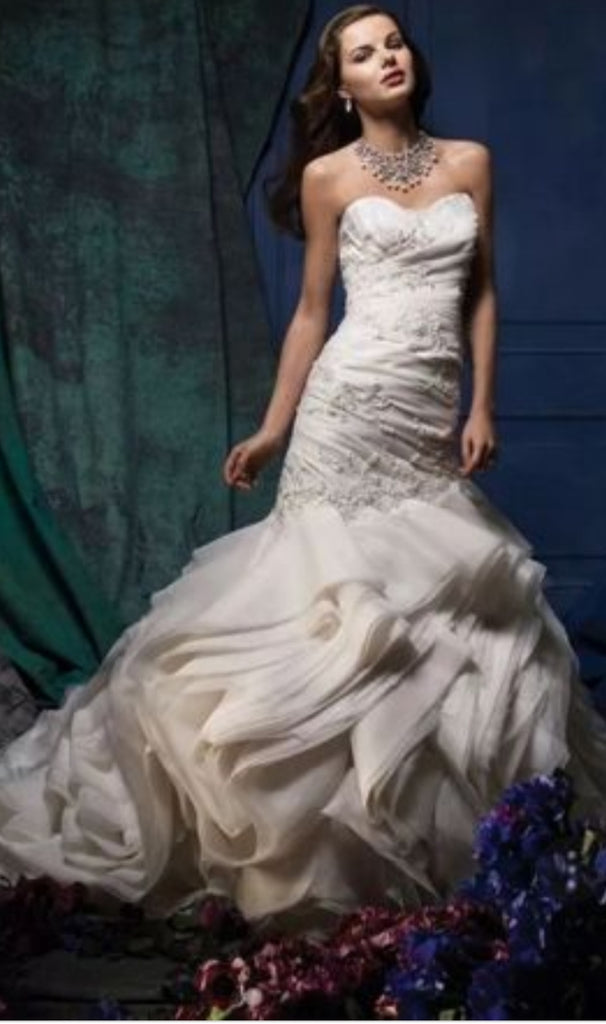 Alfred Angelo '880'