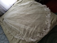 Alfred Angelo '2547' size 14 used wedding dress view of veil 1