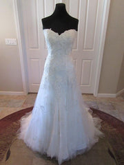 Casablanca '2168' size 14 new wedding dress front view on mannequin
