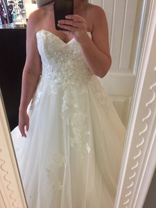 Monique Lhuillier 'Bliss' wedding dress size-12 PREOWNED