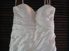 Load image into Gallery viewer, Stella York '5852' - Stella york - Nearly Newlywed Bridal Boutique - 3