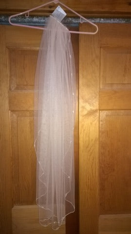 Allure '2904' size 12 new wedding dress view of veil