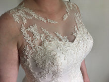 Load image into Gallery viewer, Susan Sorbello 'Custom' size 14 new wedding dress front view close up