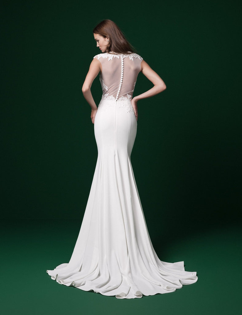 Daalarna 'PRD 232' size 6 sample wedding dress back view on model