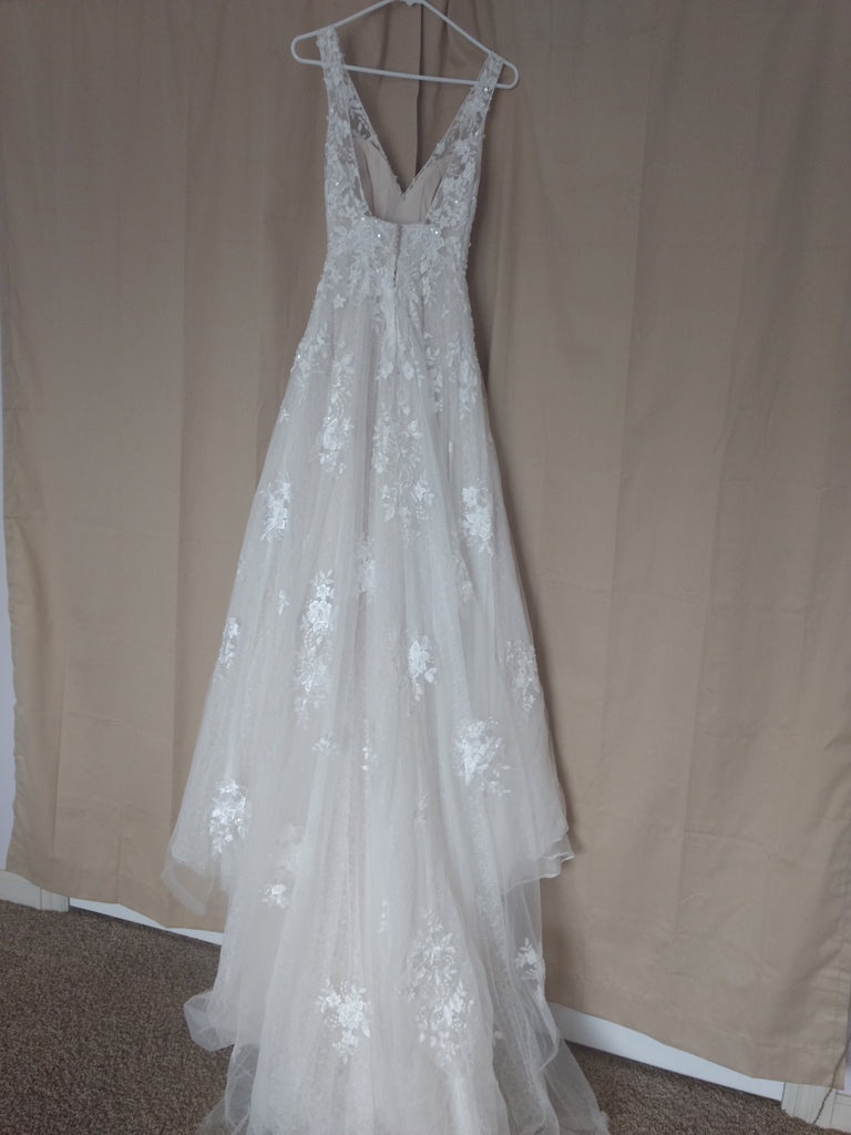 Maggie Sottero 'Meryl Lynette' size 0 used wedding dress back view on hanger