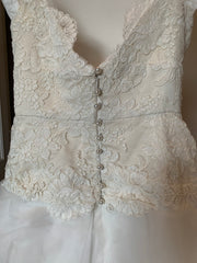 Monique Lhuillier 'None' wedding dress size-04 PREOWNED