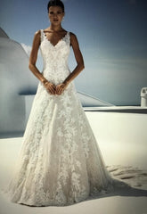Justin Alexander 'Allover Lace/Illusion' size 14 new wedding dress front view on model