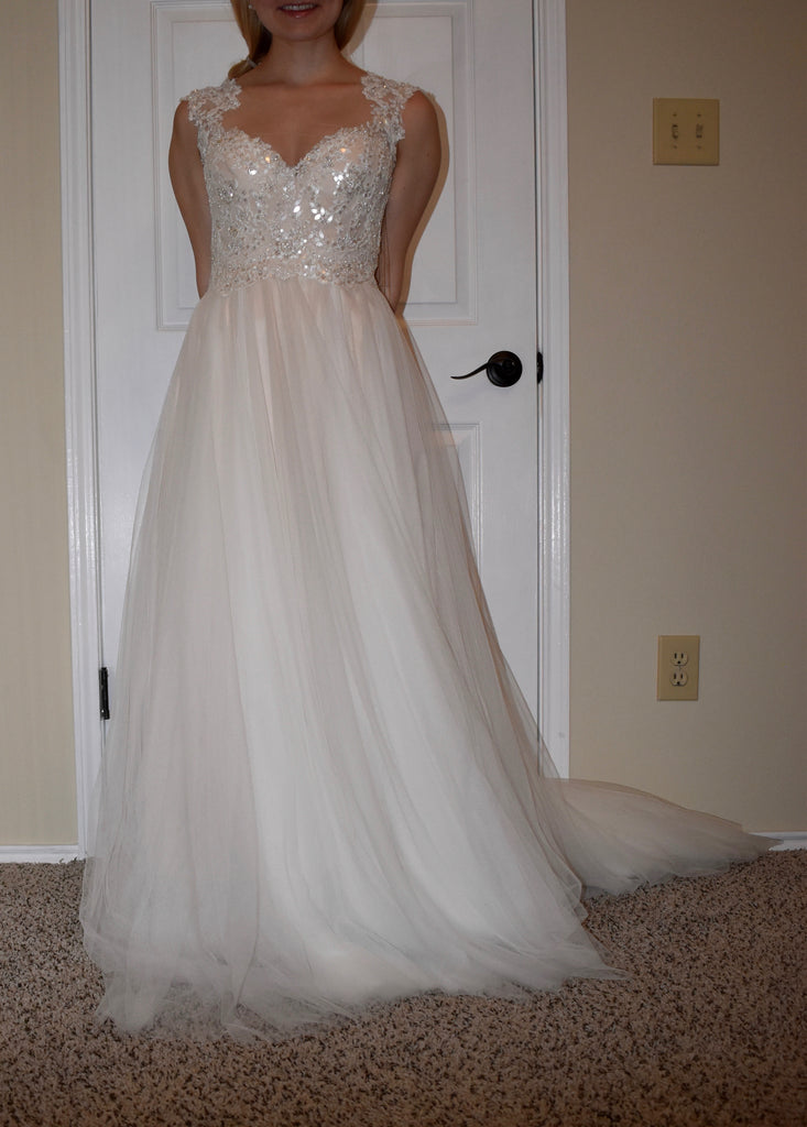 Watters 'Calanthe' size 0 new wedding dress front view on bride