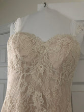 Load image into Gallery viewer, Essense of Australia 'Romantic Vintage Lace' size 8 used wedding dress front view close up
