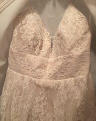 Lea Ann Belter 'Luna' size 14 new wedding dress front view close up