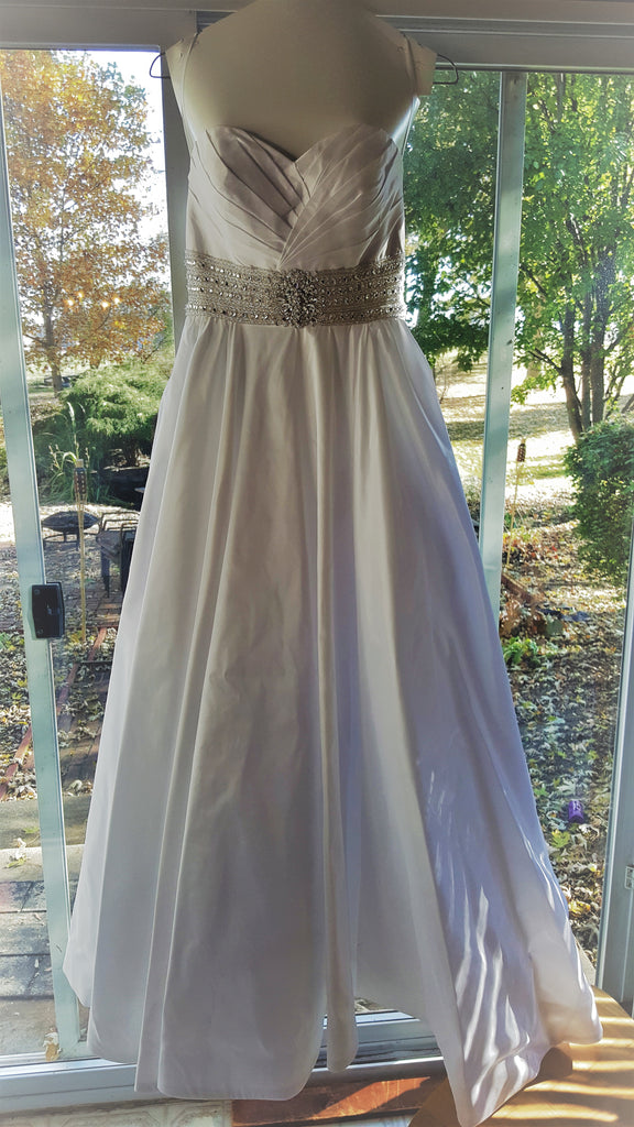 Allure Bridals '8802' size 8 used wedding dress front view on hanger