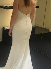 Vera Wang 'Jocelyn' size 4 new wedding dress back view on bride