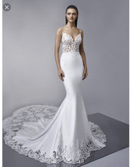 Enzoani 'McKinley' size 4 new wedding dress front view on model