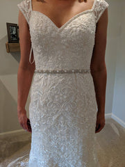 Oleg Cassini 'CWG807' size 6 new wedding dress front view close up