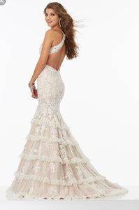 Mori Lee '99061' size 6 sample wedding dress side view on model