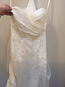 Alvina Valenta '9304' wedding dress size-10 SAMPLE