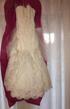 Load image into Gallery viewer, Enzoani 'Dakota' size 8 new wedding dress front view on hanger