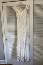 Load image into Gallery viewer, Reformation 'Merlot Dress' wedding dress size-06 NEW