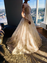 Load image into Gallery viewer, Monique Lhuillier 'Sistine' wedding dress size-02 NEW