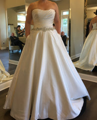 Pronovias 'Bluma' size 10 sample wedding dress front view on bride
